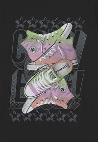 Converse - GLOSSY GIRL STACK - Camiseta estampada - black - 2