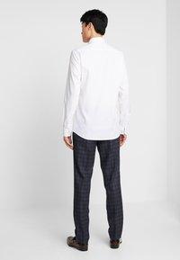 Eterna - SLIM FIT - Kostymskjorta - white - 2