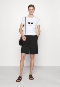 KARL LAGERFELD - IKONIK CHOUPETTE - Print T-shirt - white - 1