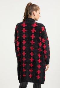 myMo ROCKS - Cardigan - schwarz rot - 2