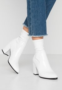 Even&Odd - Classic ankle boots - white - 0