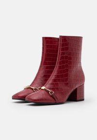 Högl - Classic ankle boots - cherry - 2