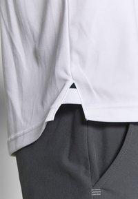 Cross Sportswear - BRASSIE - Polotričko - white - 6