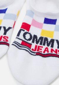 Tommy Jeans - RACERCHECK NO SHOW HIGH CUT SOCK UNISEX - Socks - white - 2