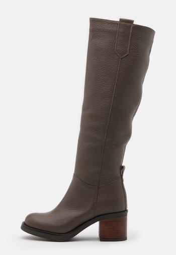 RIDE WITH ME - Vysoká obuv - brown