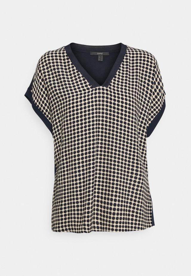 FAB MIX - Camiseta estampada - sand