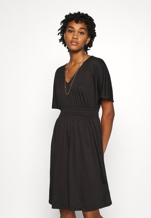 VMRITA SMOCK DRESS - Jersey dress - black