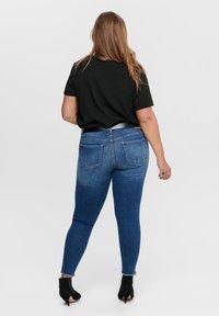 ONLY Carmakoma - CURVY - T-shirts - black - 2