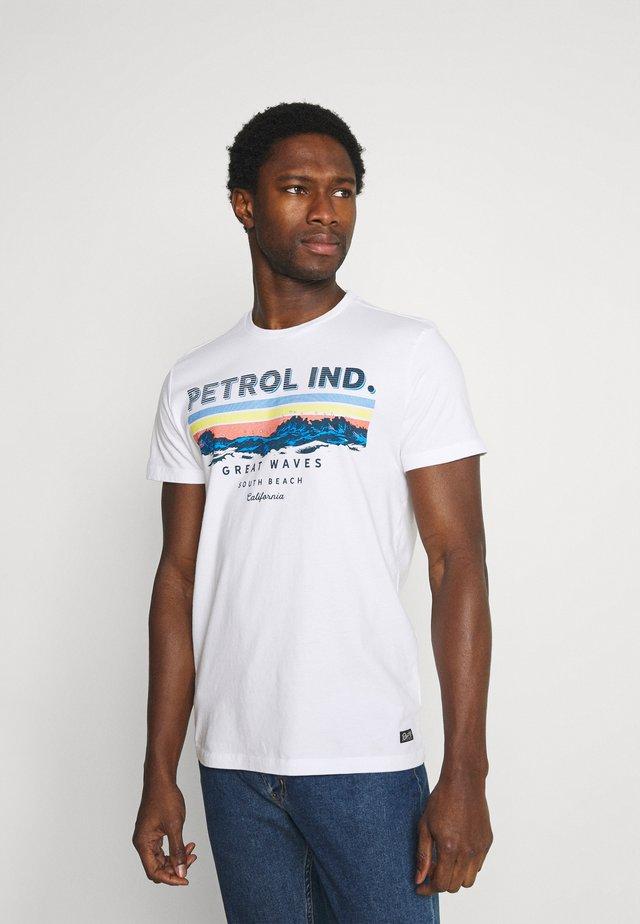 T-shirt con stampa - bright white/blue
