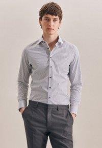 Seidensticker - BUSINESS SLIM - Shirt - schwarz - 0