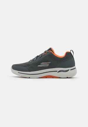 GO WALK ARCH FIT - Walking trainers - charcoal/orange