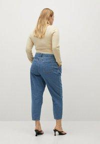 Violeta by Mango - MIT MITTELHOHEM BUND - Jeans relaxed fit - mittelblau - 2