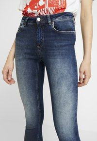 ONLY - ONLBLUSH - Jeans Skinny Fit - dark blue denim - 3