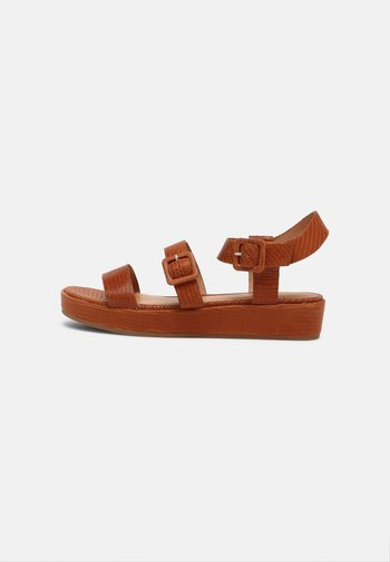 EMILY LIZARD - Platform sandals - warm nutmeg