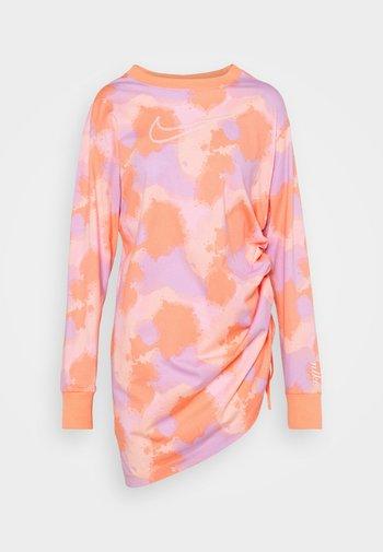 DRESS - Jersey dress - pink foam