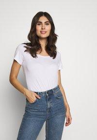 Anna Field - 2ER PACK  - Basic T-shirt - navy/white - 1