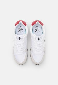 Calvin Klein Jeans - RUNNER LACEUP - Sneakers - bright white - 3