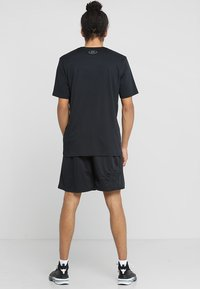Under Armour - Sports shorts - black/pitch gray - 2