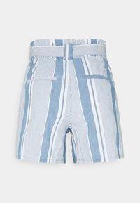 Vero Moda - VMAKELA CHAMBRAY PAPERBAG  - Shorts - light blue denim/white - 7