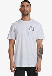 RVCA - ALL THE WAYS - Print T-shirt - white - 0
