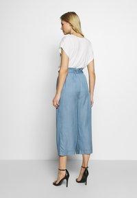 Marc O'Polo DENIM - PANTS WIDE LEG BELT - Trousers - blue grey - 2