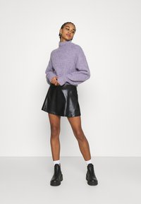 Even&Odd - Mini PU Leather A-line skirt - Jupe trapèze - black - 1