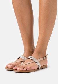 Anna Field - LEATHER - Sandály s odděleným palcem - beige - 0