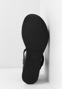 Panama Jack - NICA SPORT - Platform sandals - schwarz - 6