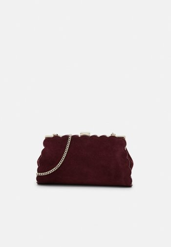 ELAYNNA SCALLOP FRAME EVENING BAG