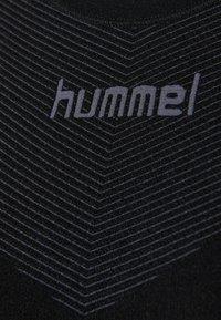 Hummel - Langærmede T-shirts - black - 4