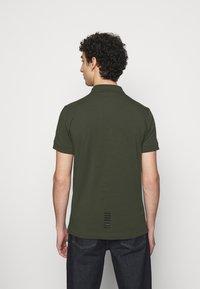 EA7 Emporio Armani - Poloshirts - dark green - 2