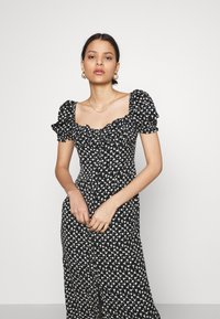 Glamorous - GATHERED BUST MAI DRESSES WITH LOW NECKLINE PUFF SHORT SLEEVES - Denní šaty - black - 3