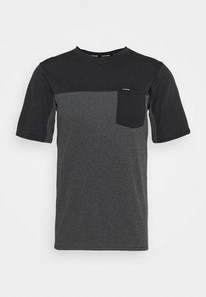 VECTRA - T-shirt con stampa - castlerock/black