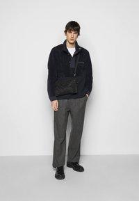 Theory - COLLINS ZIP - Fleece jacket - dark blue - 1