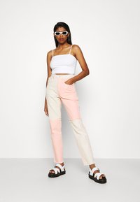 The Ragged Priest - CARNIVAL  - Džíny Straight Fit - pink/beige - 1