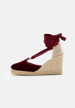 CATRI  - Sandály na vysokém podpatku - burdeos