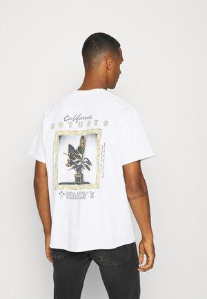 NATURE REMEDY TEE UNISEX  - Print T-shirt - white
