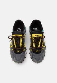 Fila - TRAILER - Sneakers basse - castlerock/aurora - 3