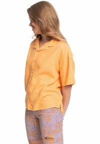 Quiksilver - SURF CAMP - Button-down blouse - chamois - 3