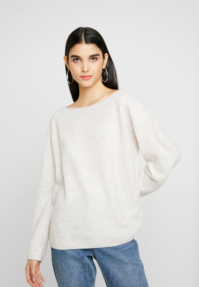 BASIC OFF SHOULDER - Strickpullover - off-white