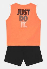 Nike Sportswear - MUSCLE SET - Top - black - 1