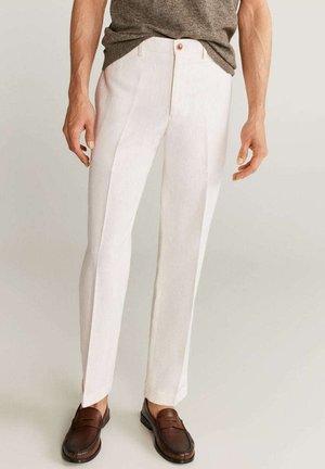BRIEN-I - Trousers - bílá