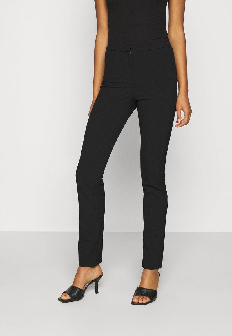Weekday - ALECIA TROUSER - Pantalones - black