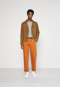 DOCKERS - CASUAL - Chinos - leather brown - 1