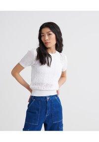Superdry - BELLA POINTELLE - T-shirts print - chalk white - 0
