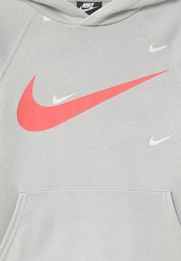 Nike Sportswear - HOODED UNISEX - Mikina s kapucí - grey fog/infrared - 2