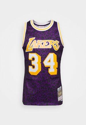 NBA LOS ANGELES LAKERS SHAQUILLE O'NEAL WILD LIFE SWINGMAN - Fanartikel - purple