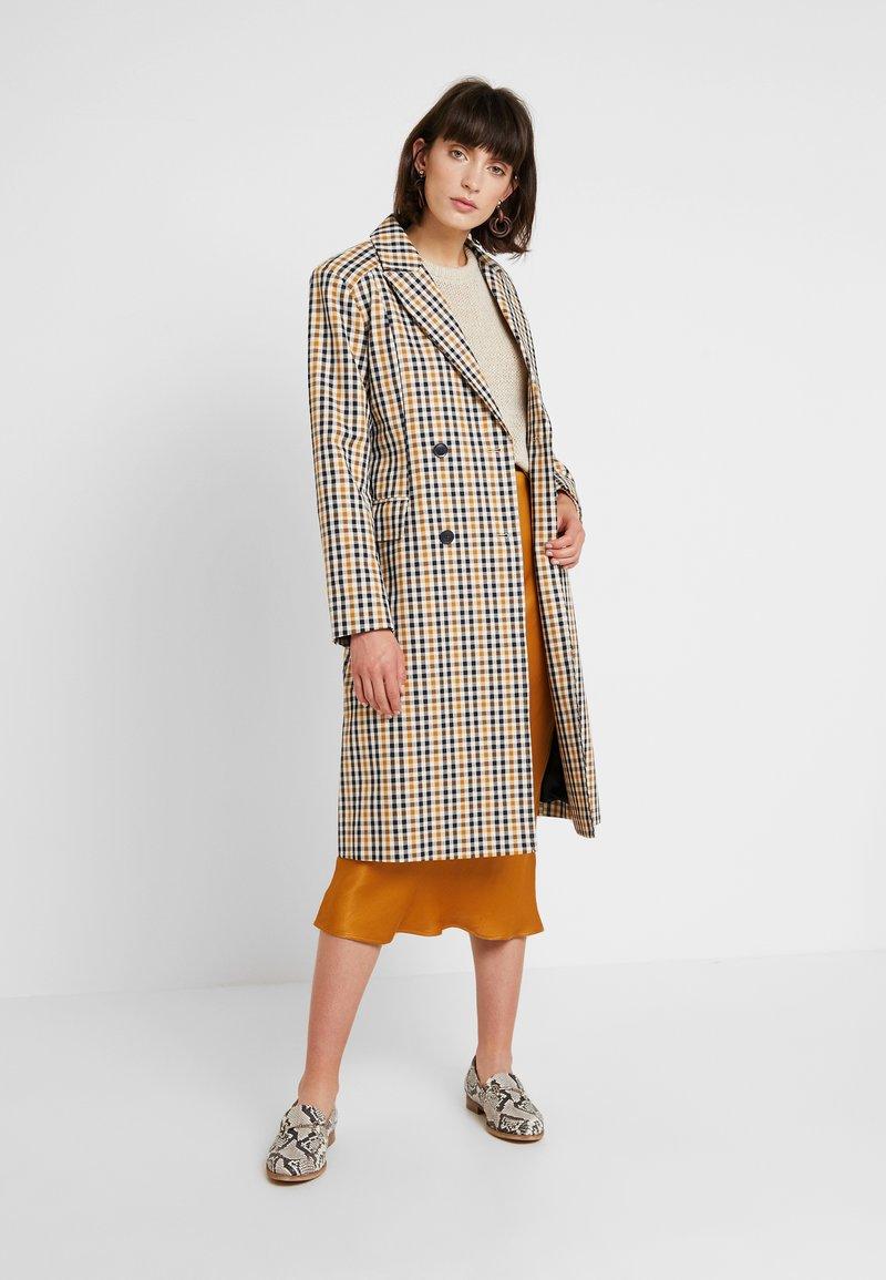 Second Female - WALLACE COAT - Zimní kabát - inca gold