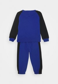 Nike Sportswear - OVERSIZED FUTURA CREW BABY SET - Tuta - game royal - 1
