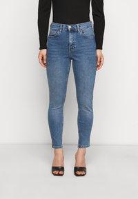 Topshop Petite - JAMIE CLEAN - Jeans Skinny Fit - blue denim - 0